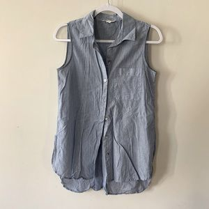 Chambray high-low Sleeveless Button Down